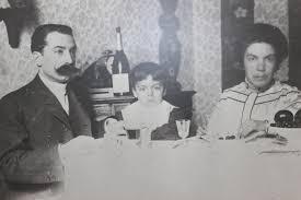 Grazia Deledda col marito e il figlio