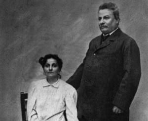 Giovanni Pascoli con la sorella Maria